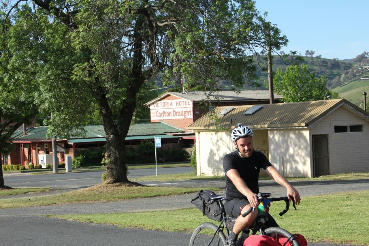 tallangatta pub high country rail trail cycling