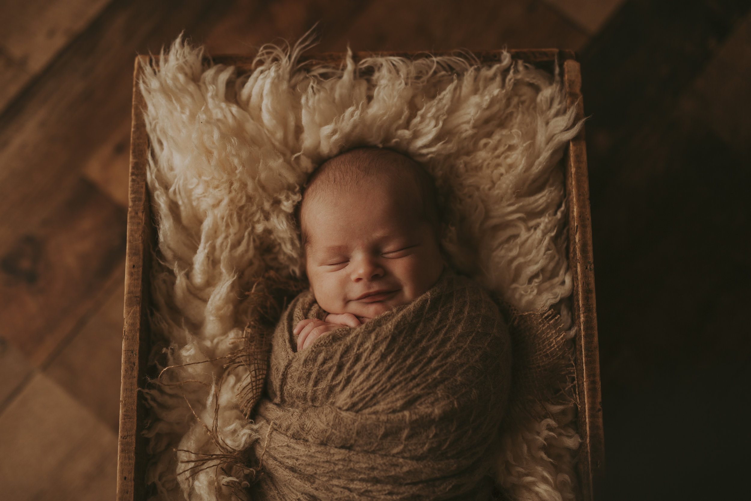 Cochrane Newborn Photographer-9.jpg