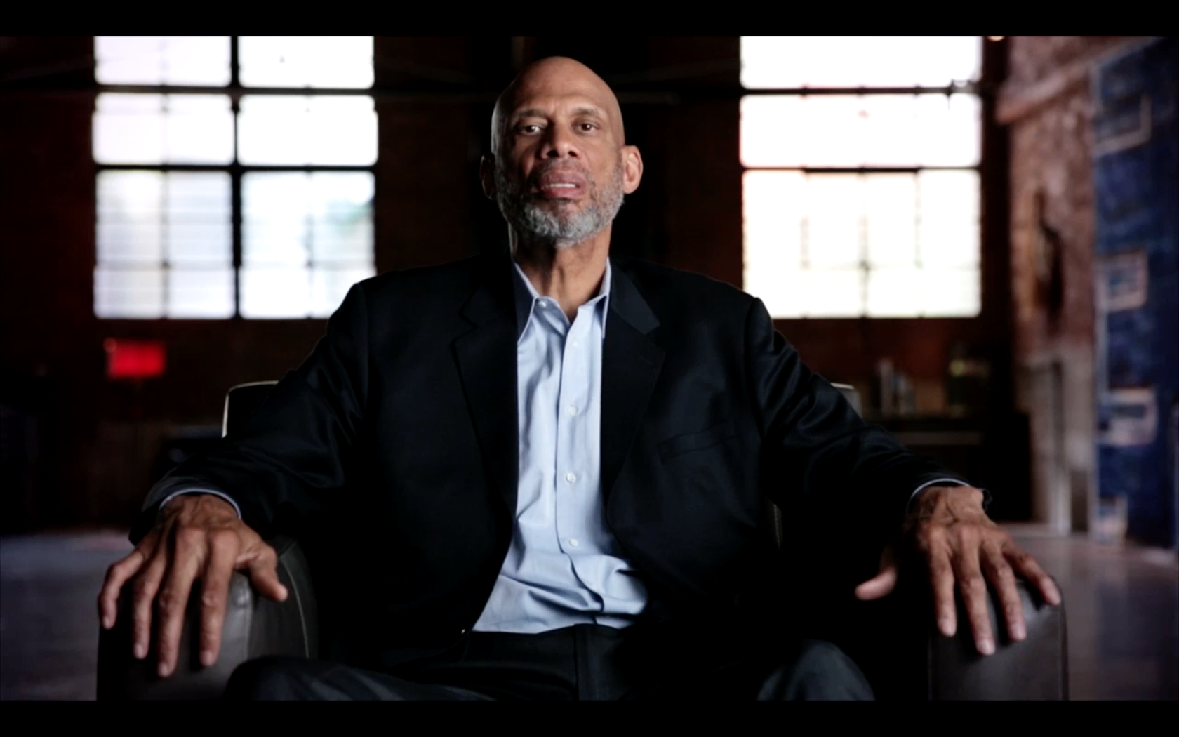 [fade]KAREEM - MINORITY OF ONE<strong>HBO DOCUMENTARY</strong>[/fade]