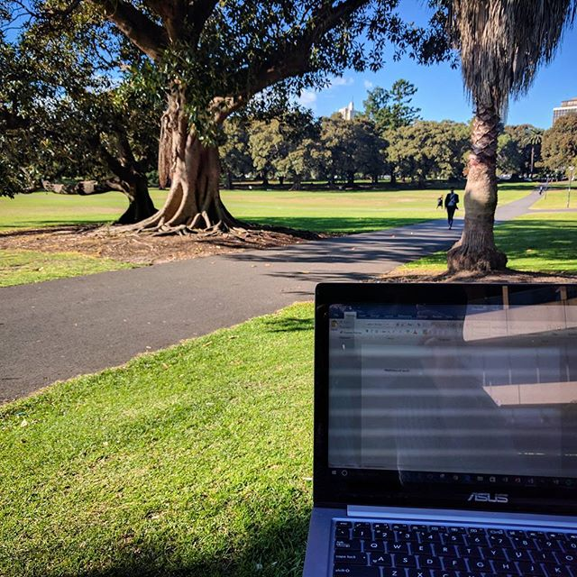 Feeling grateful we live in a day and age where we don't have to be desk bound and can work just about anywhere...the office, cafe's, parks, or at home. Thank you technology! 🛣️ #happyfriday #movemore #workplacewellness