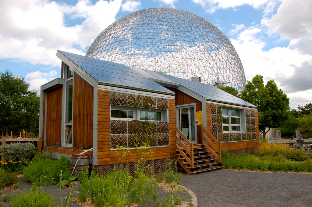 The E'cool'ogical Solar House in Montreal. Image by  John Mason via Flickr