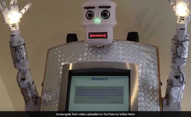 robot-priest-650_650x400_41496143459.jpg