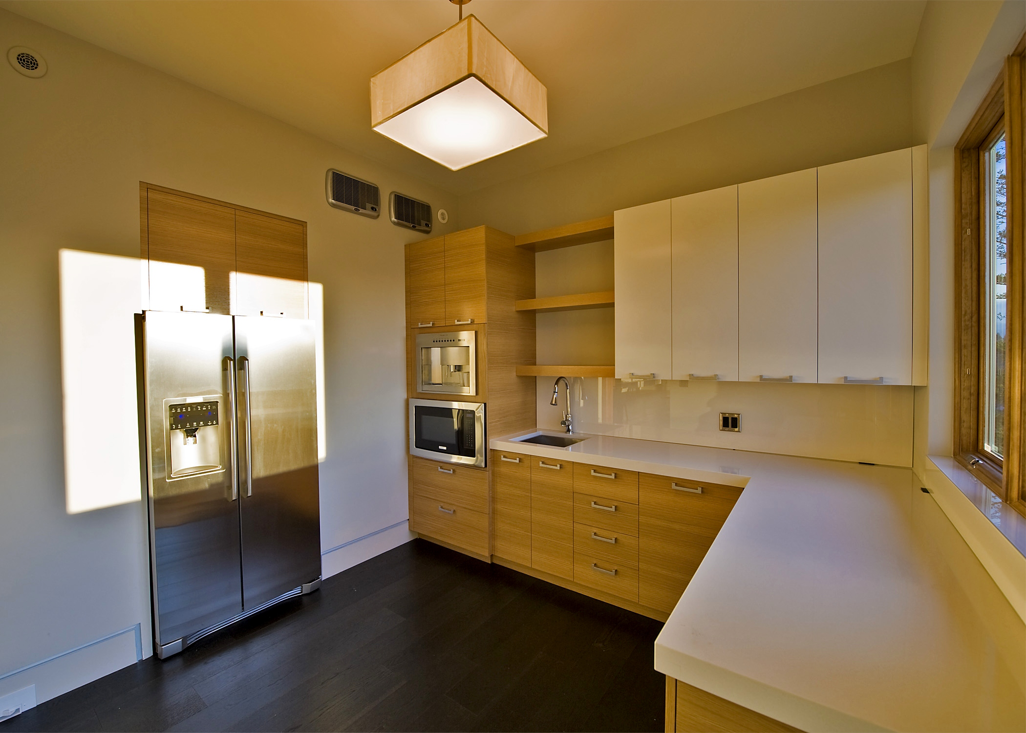 contemporary-white-oak-high-gloss-white-butler-pantry-cabinetry.jpg