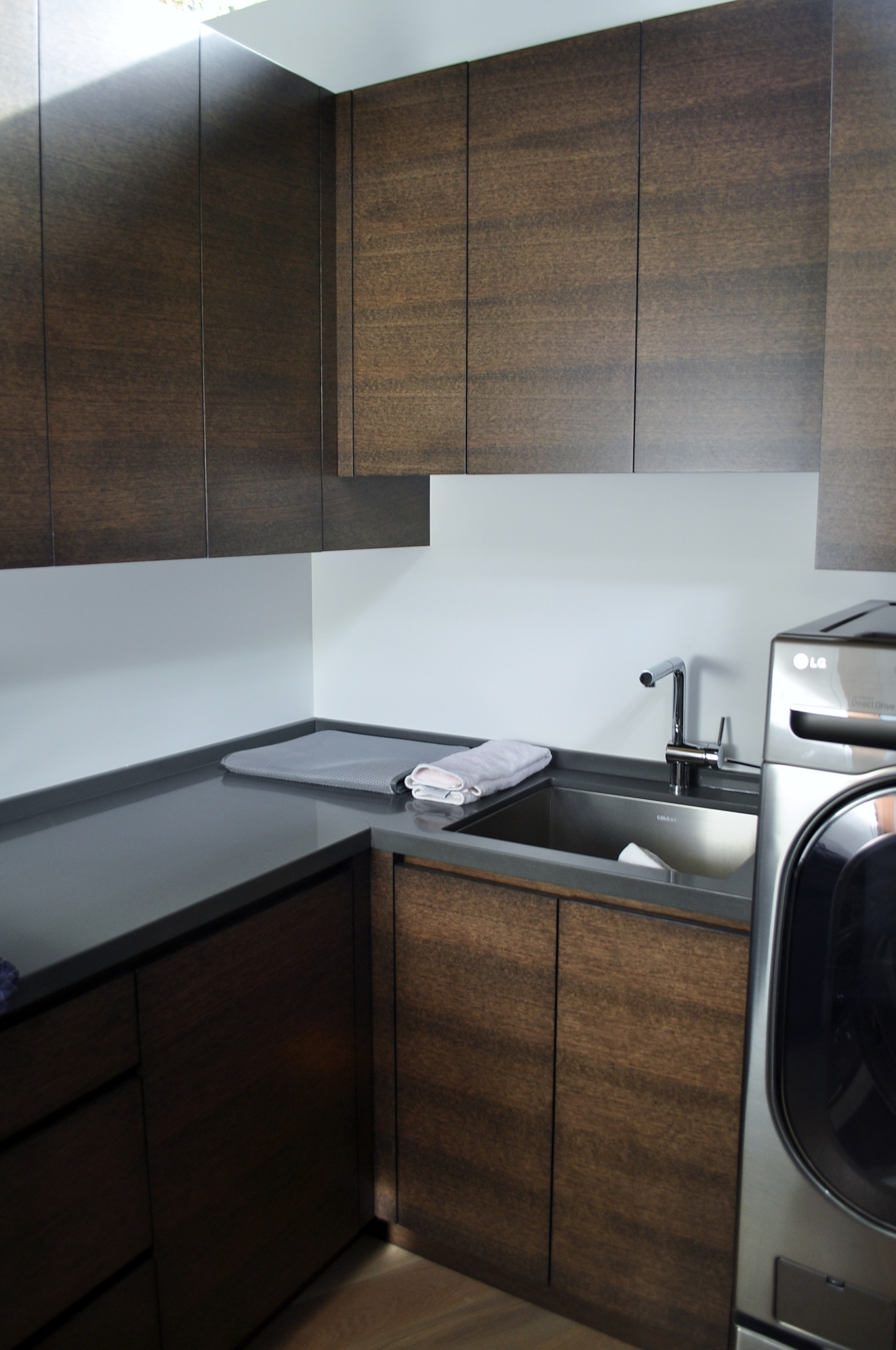 stained-white-oak-laundry-room-cabinetry.JPG