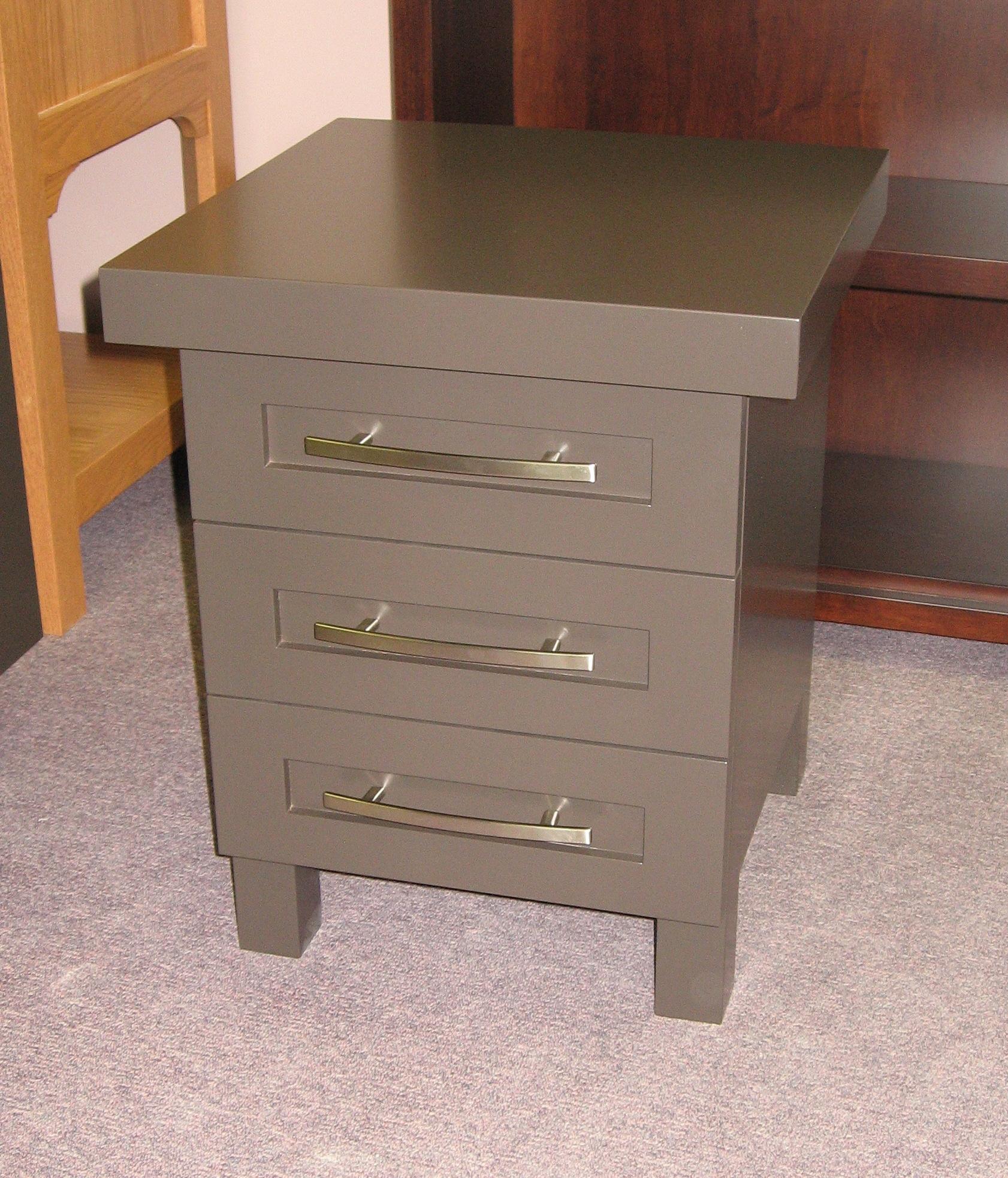 painted-grey-custom-nightstand.JPG