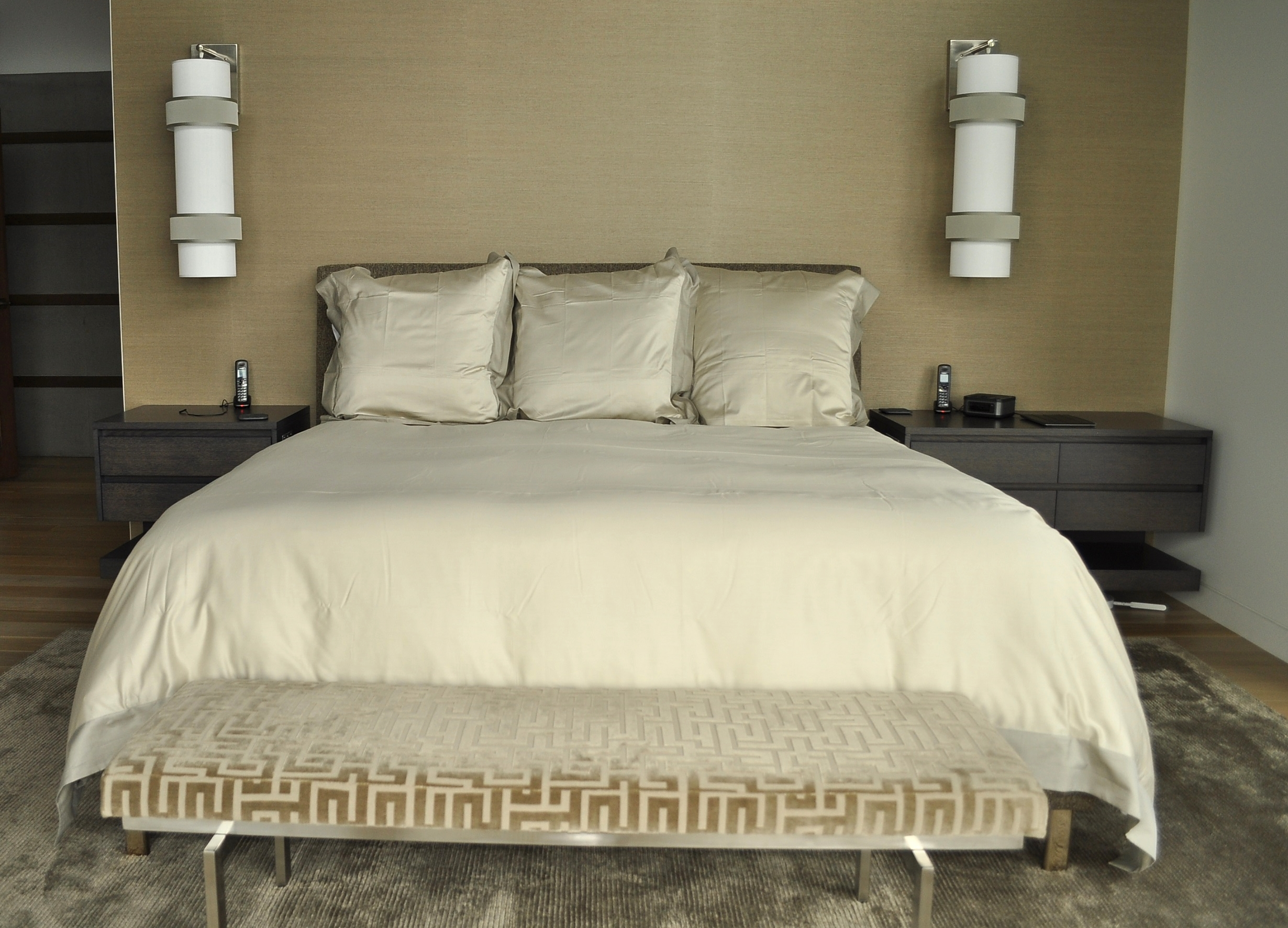 white-oak-queen-platform-bed-and-wall-mounted-nightstands.JPG