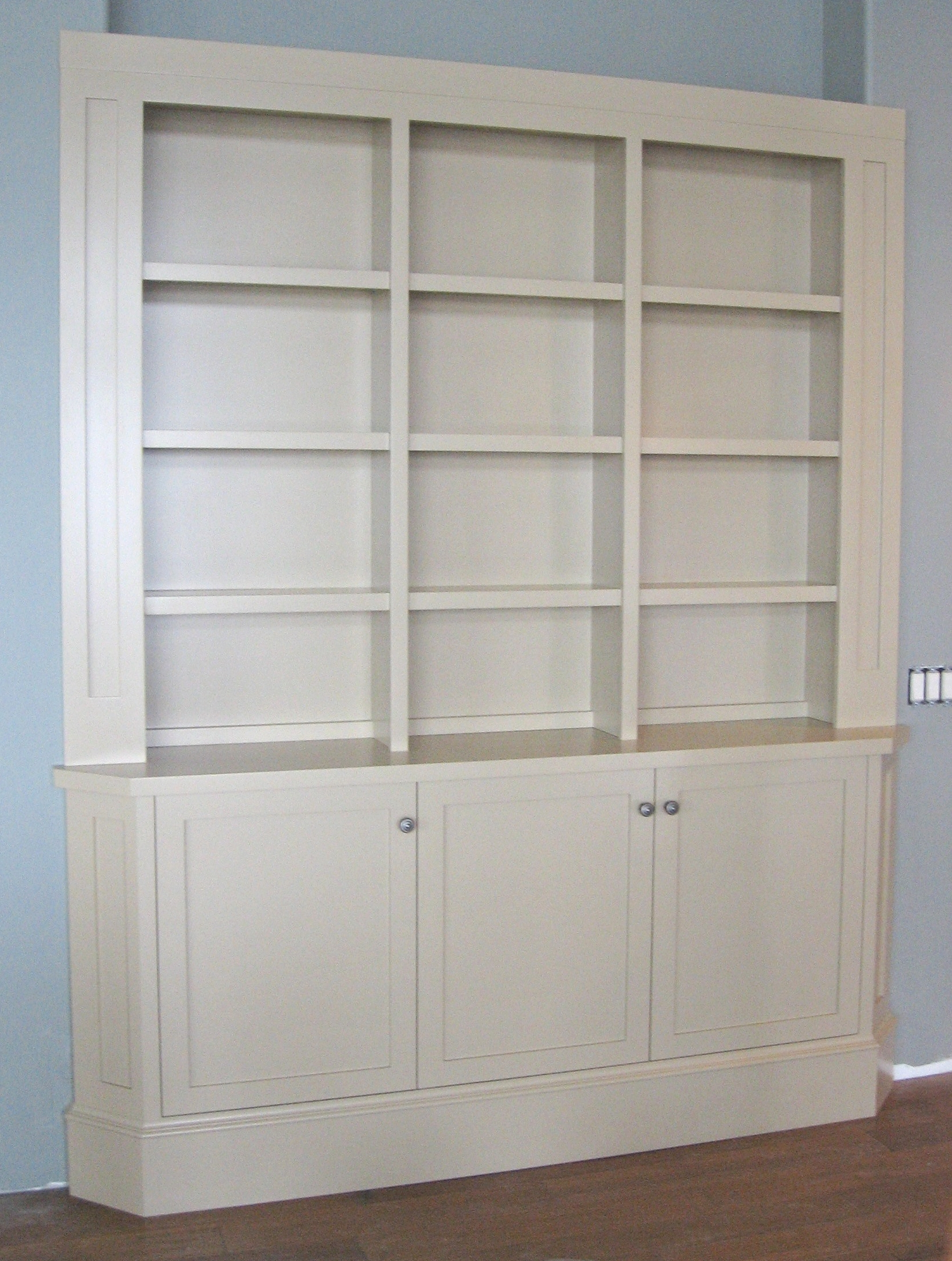 traditional-style-built-in-painted-china-cabinet.jpg