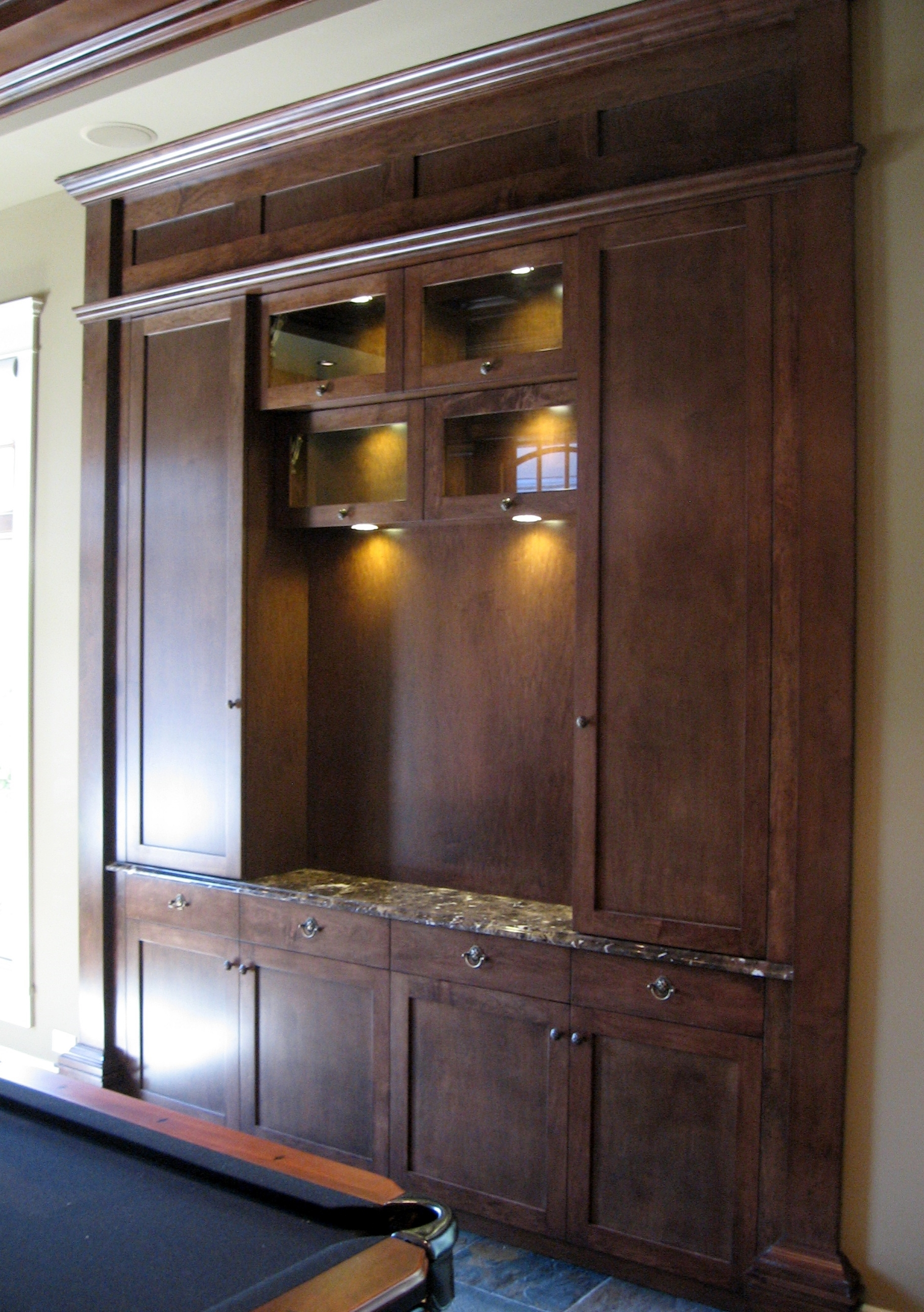 built-in-traditional-style-games-room-bar-cabinetry.JPG