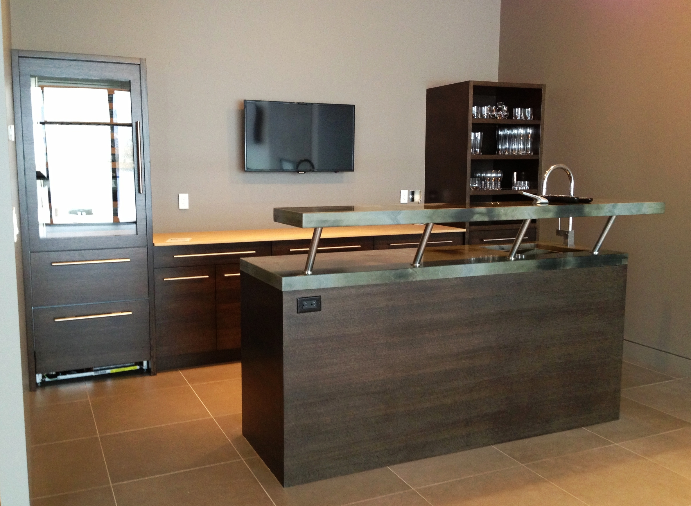 contemporary-style-home-bar-with-island.JPG