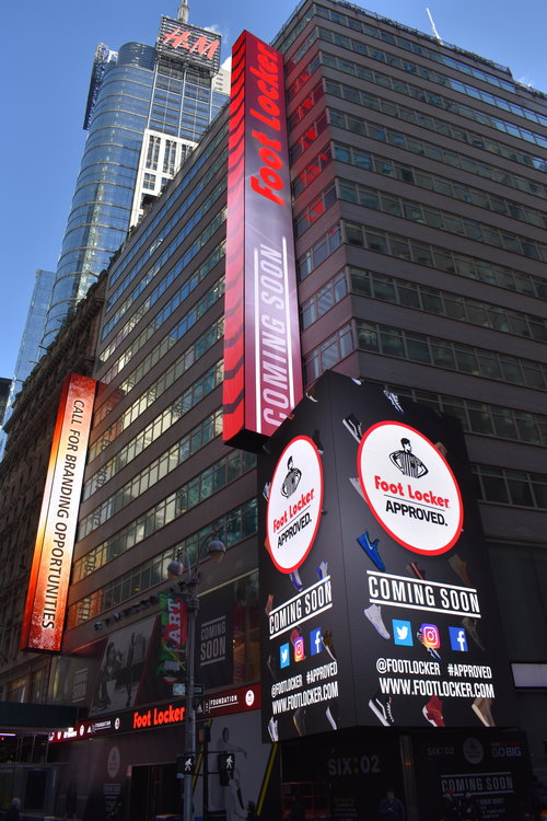 8 Times Square (1560 Broadway)