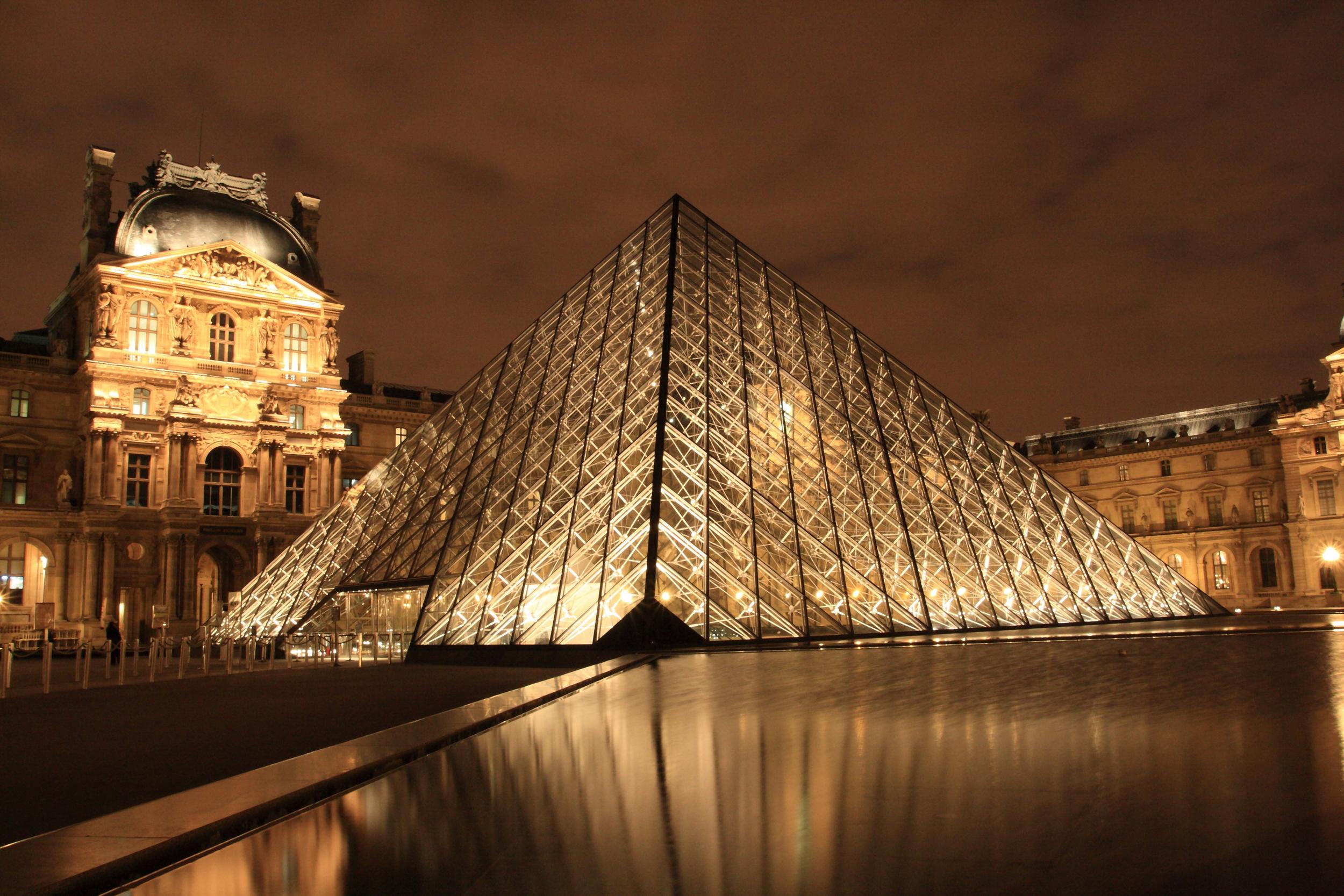 Paris - Louvre at night.jpg