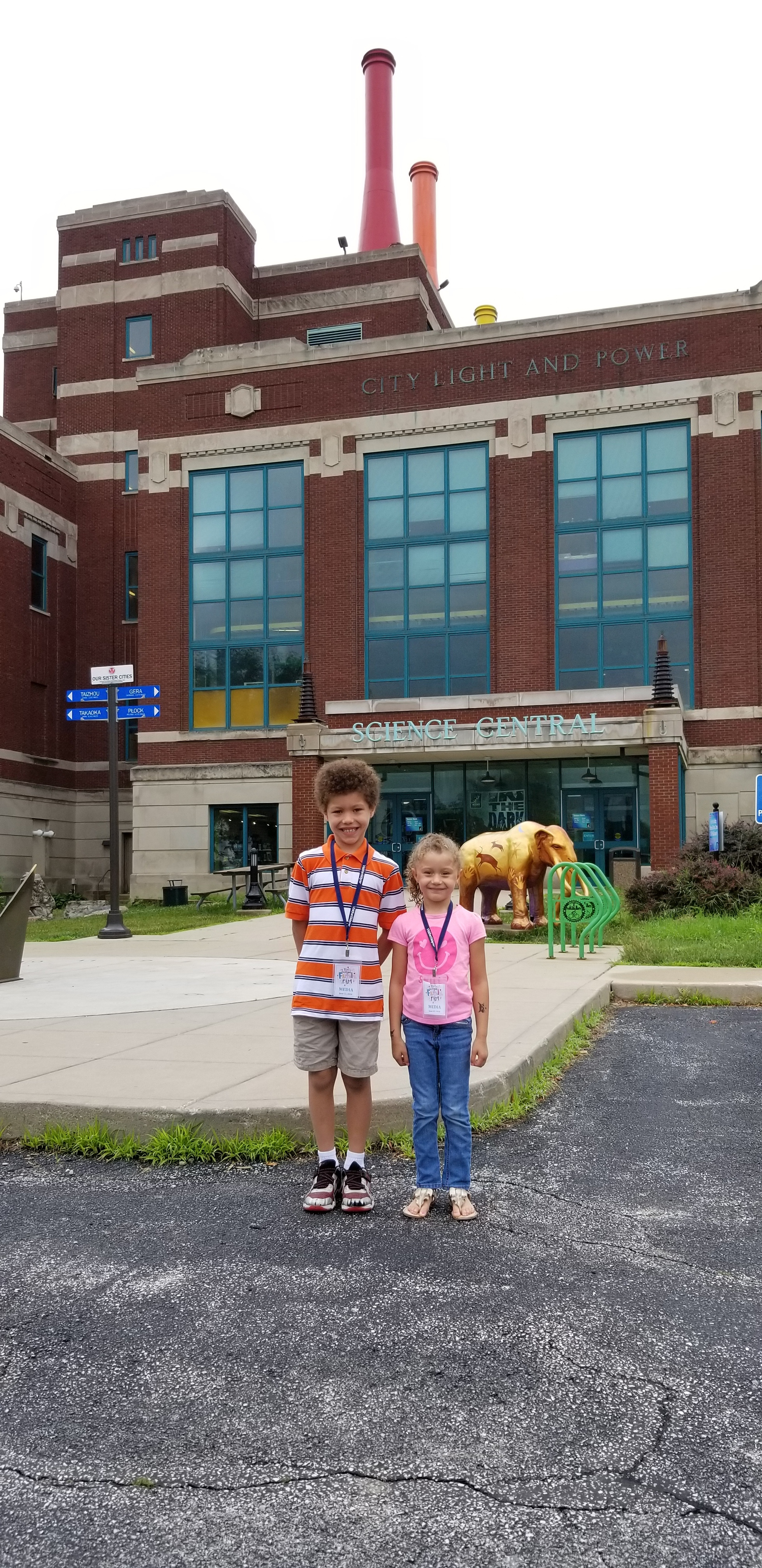 Kids at Science Central in Fort Wayne