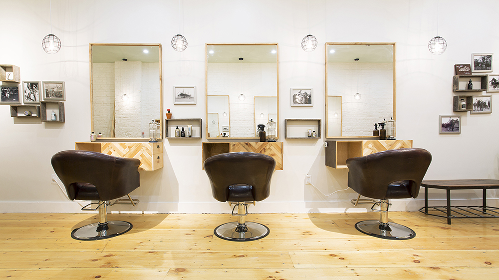 Triple_Crown_Salon_02.jpg
