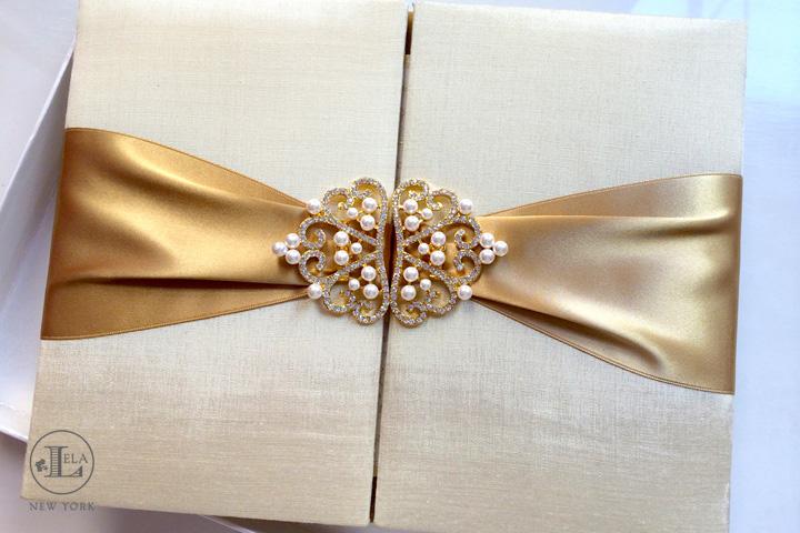 Gold Pearl Invitation | Mercedes & Renato