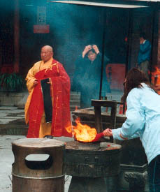 A Chinese Buddhist monk at the Jade Buddha Temple in Shanghai Photo©kidcyber