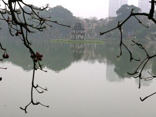 Turtle Tower in Hoan Kiem Lake. Image©kidcyber