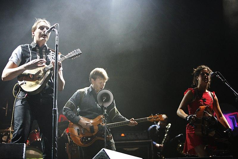 Arcade Fire at the Eurockéennes (2007) | (Wikimedia |  Rama )