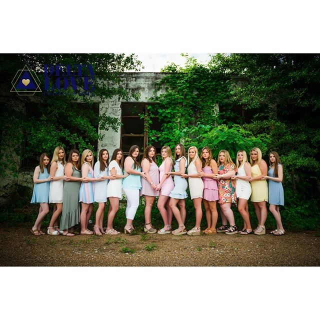 Doing these group sessions at the end of the year will forever be my favorite! To think how many of us would have loved and appreciated having photos like these with our high school friends. I have loved getting to know this group of girls right here... never a dull moment... and tomorrow... they will officially be #bayouacademyalumni #DLPstreetteam2019 #deltalovephotography #deltaloveseniorexperience #classof2019 #dlpsenior2019 #mississippiseniorphotography #mississippiphotographer #mississippideltaphotography #BeBraveBeYOU