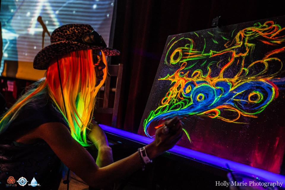 Live Painting at Sychronize's Winter Solstice Feat. Desert Dwellers