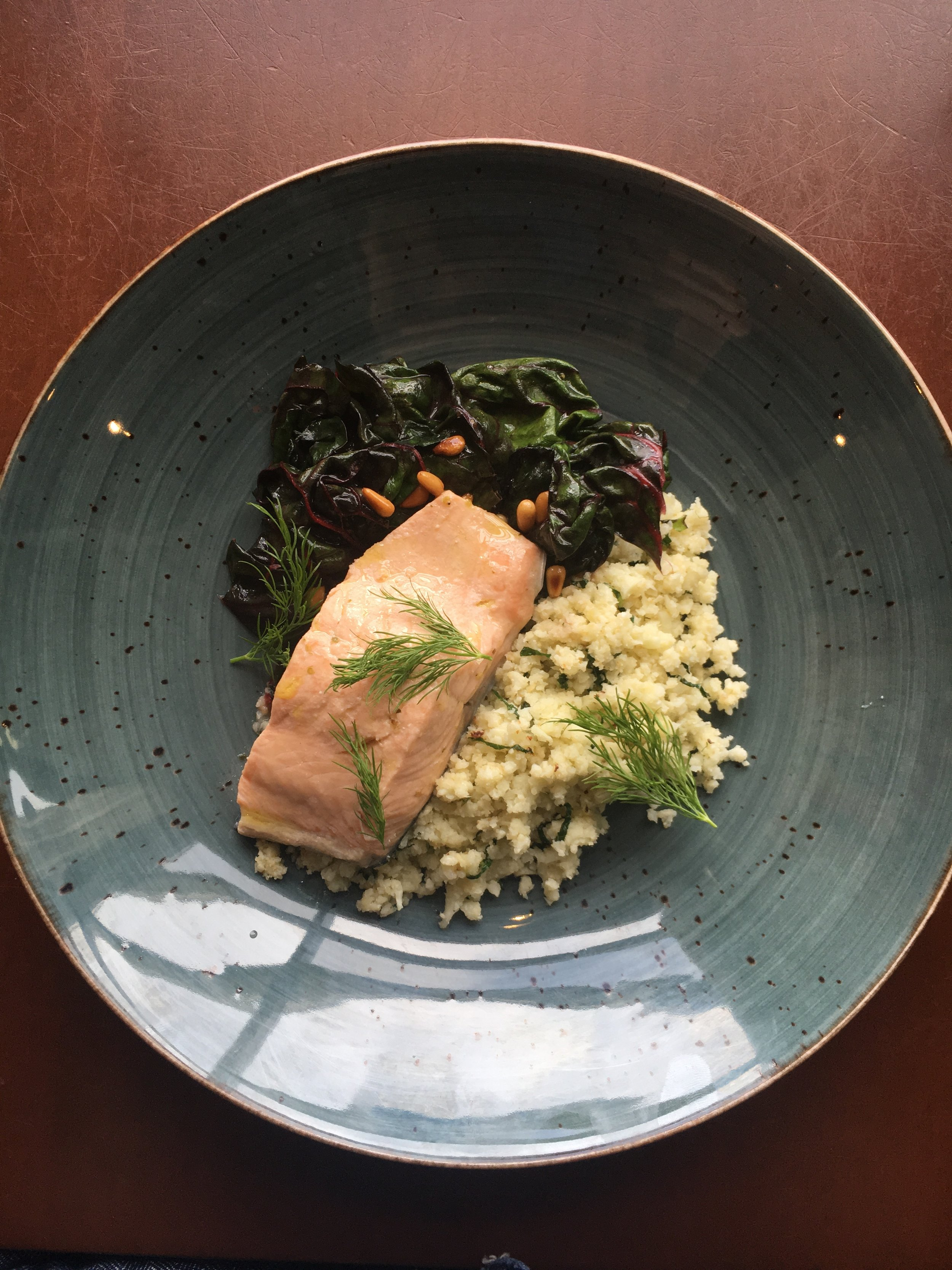 """KETO COOKING WITH CHEF RUBEN RAPETTI / POACHED SALMON WITH CAULIFLOWER """"RISOTTO"""" AND SWISS CHARD by Jen Fisch via Keto In The City"""