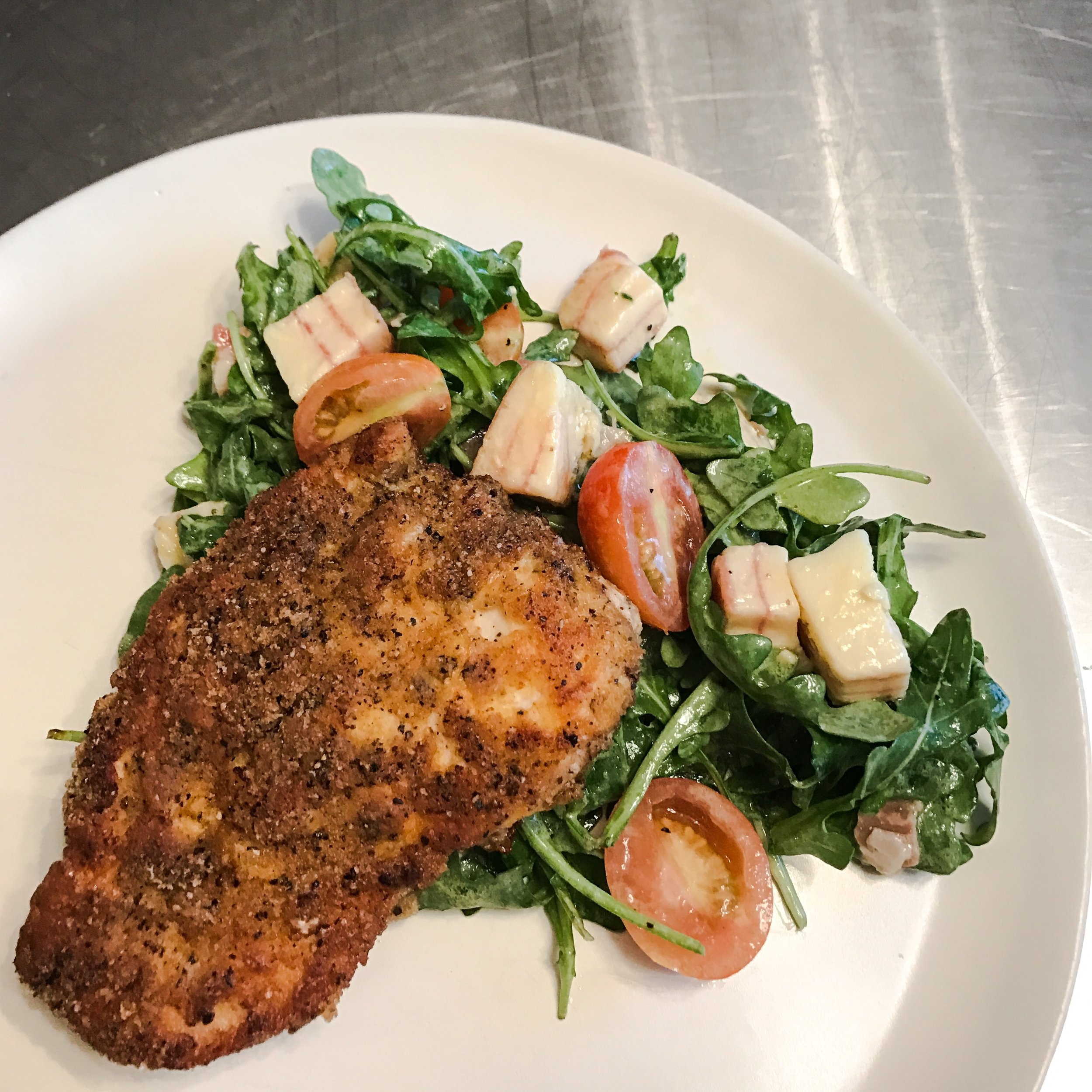 KETO RECIPE: PORK RIND CRUSTED CHICKEN WITH ARUGULA SALAD by Jen Fisch via Keto In The City