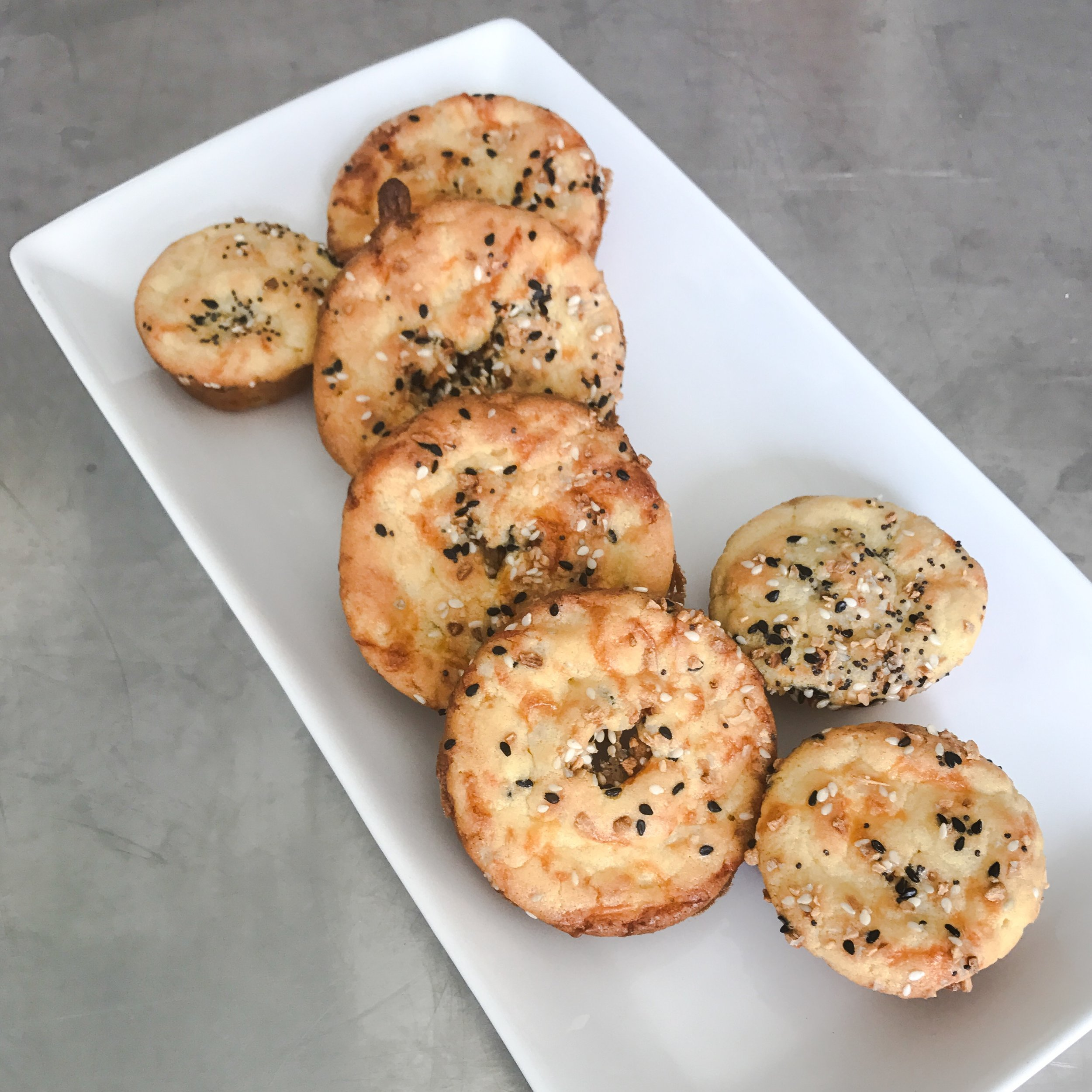 KETO RECIPE: LOW CARB SAVORY CREAM CHEESE MUFFINS WITH EVERYTHING BUT THE BAGEL SEASONING by Jen Fisch via Keto In The City