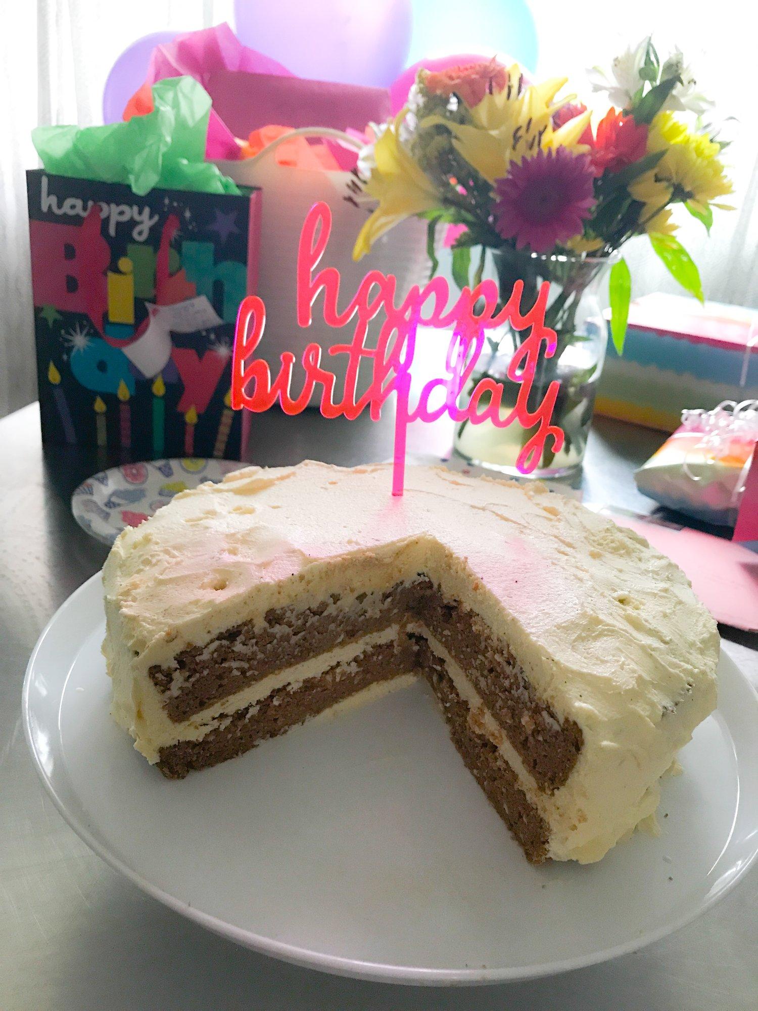 KETO PUMPKIN CAKE WITH KETO BUTTERCREAM FROSTING!