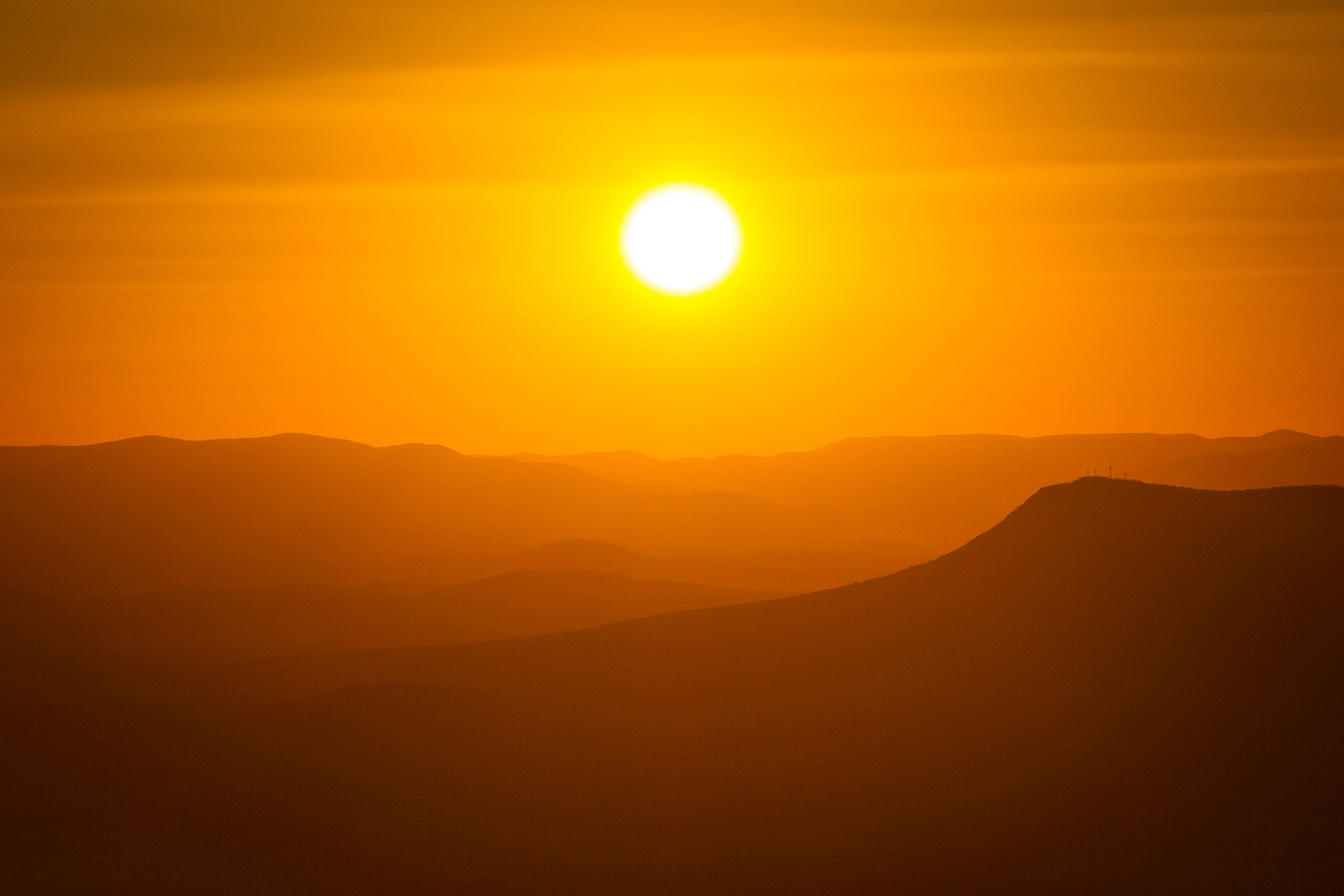 Sunset over the GWNF mountains from Bearfence Mountain, Shenandoah National Park