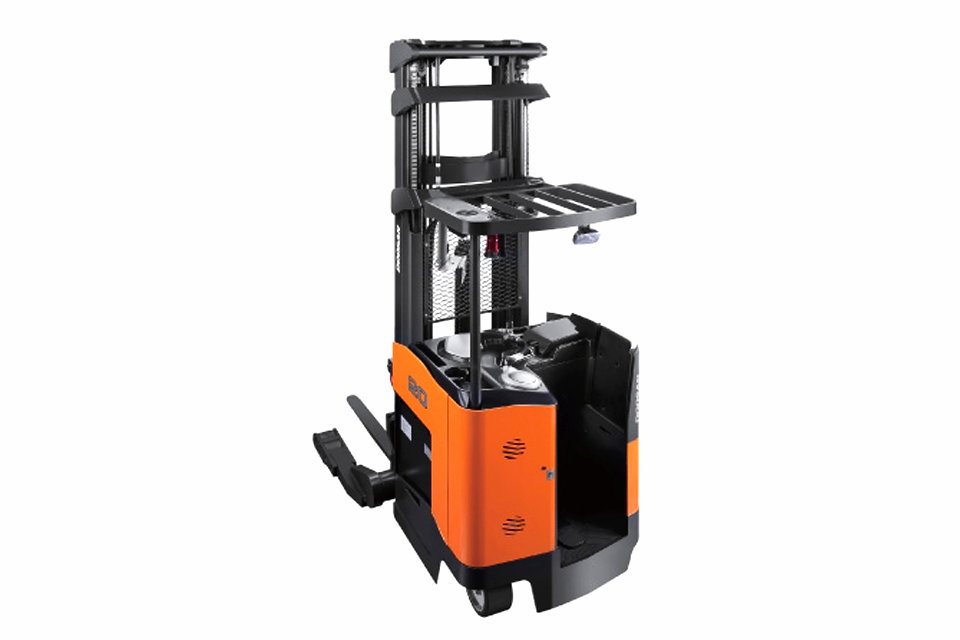 ELECTRIC REACH TRUCKS / ORDER PICKERS