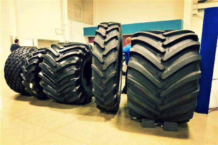 tractor tires.jpg