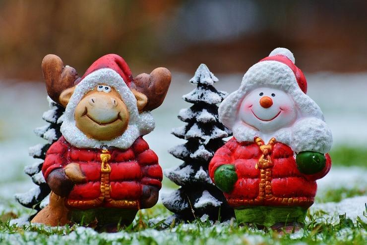 christmas-moose-1061521_1280.jpg