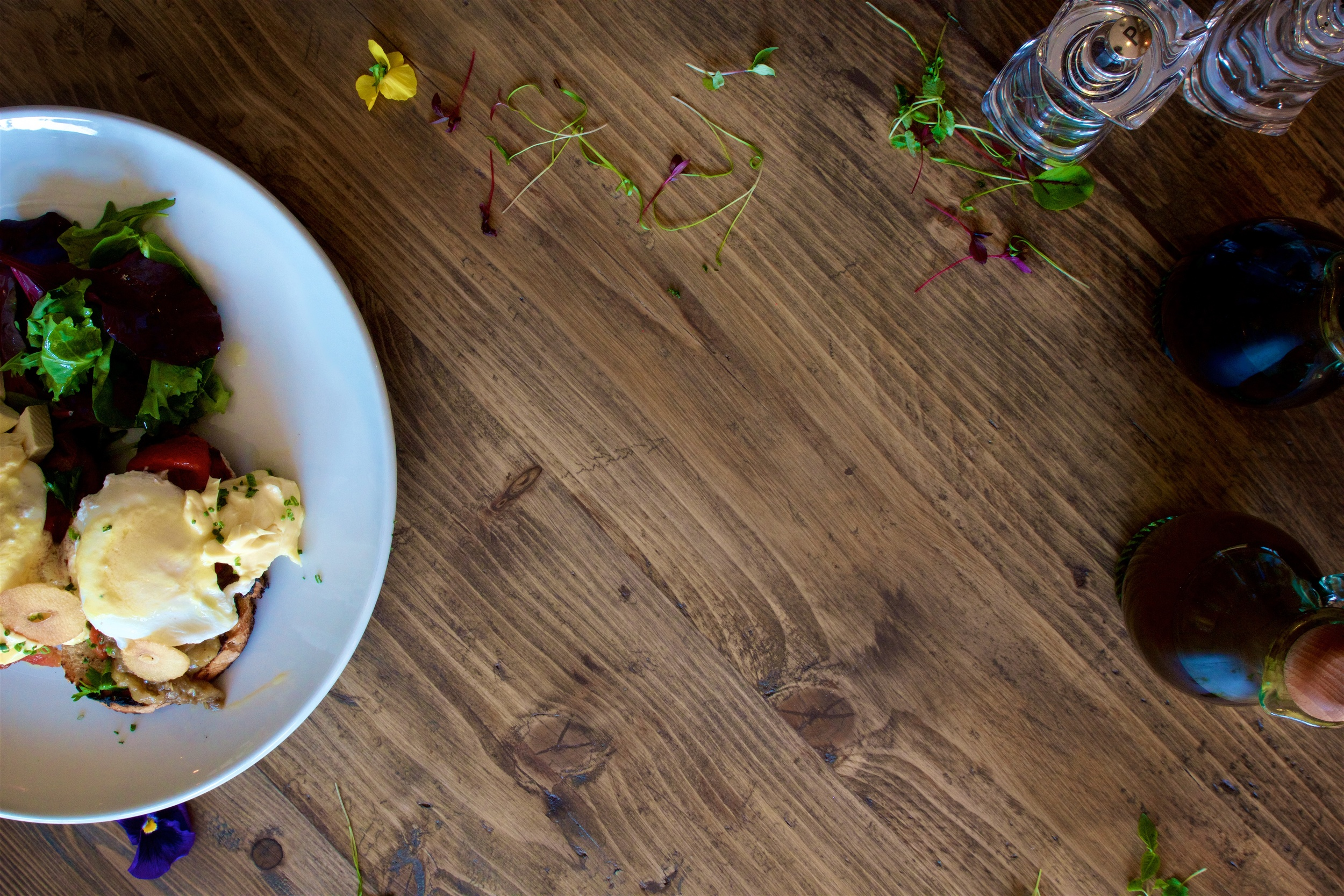 Welcome to Tapeo -Donde la comida es la estrella   We create a magic with every plate crea magia en cada plato!   Book Now