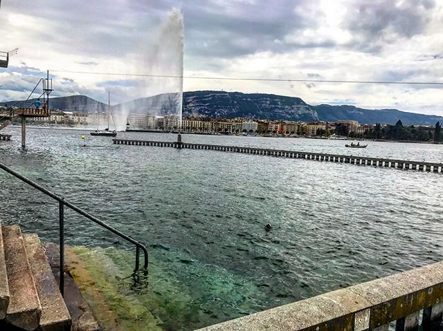 #bainsdespaquis #geneva #view #lake #lacleman #jetdeau