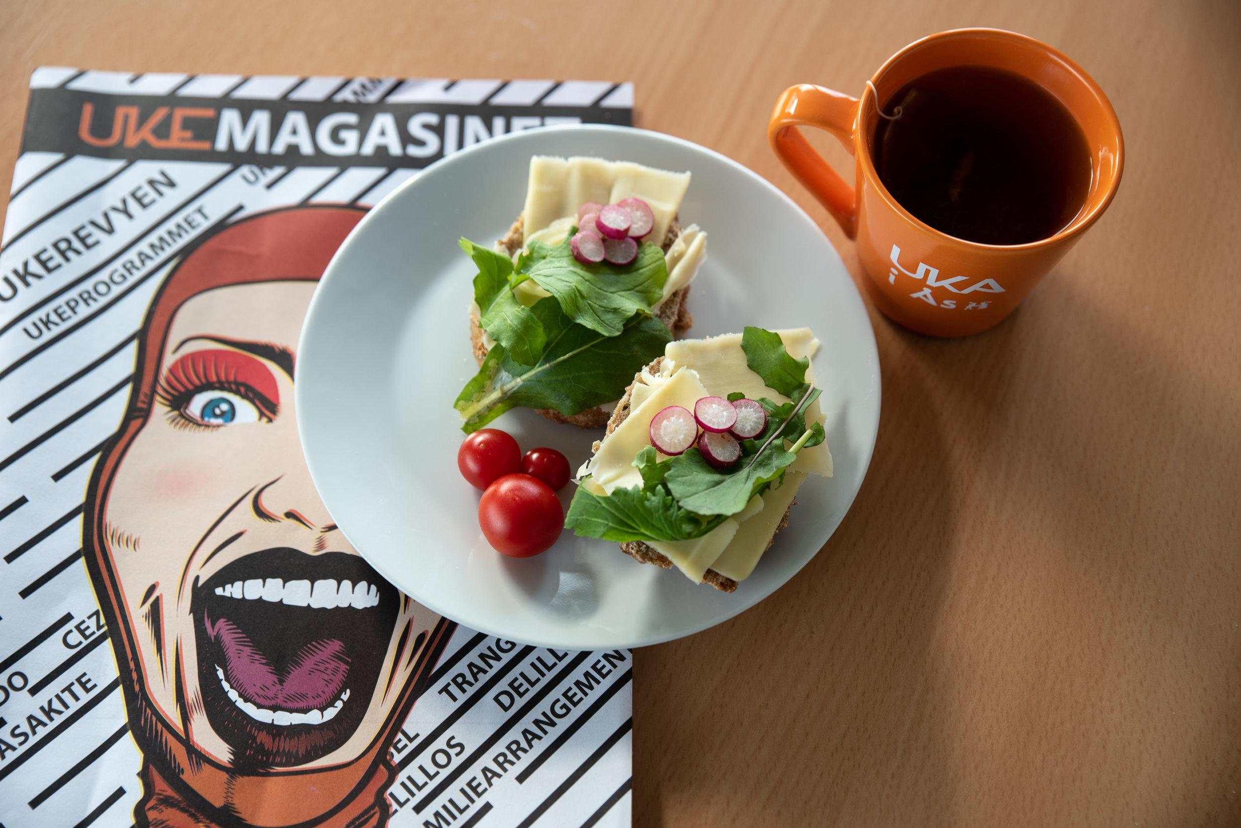 Koppen passer perfekt til frokosten også! Som nytes med litt god lesing, selvfølgelig.
