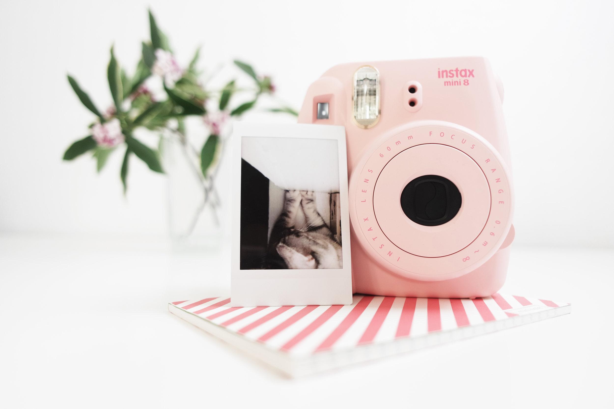 instax_pink.jpg