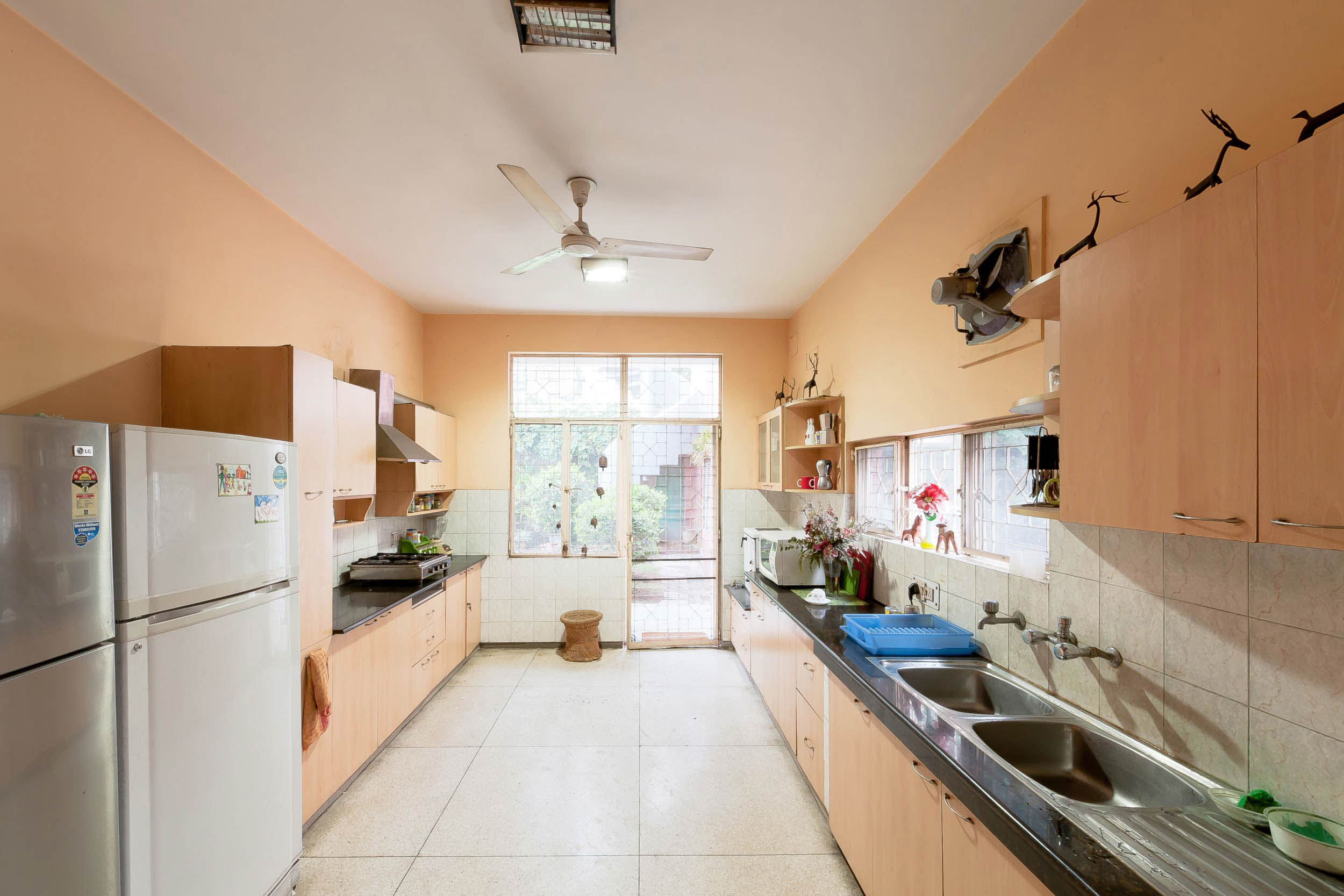 FUW_the-indian-middleclass-kitchen_06-grewal.jpg