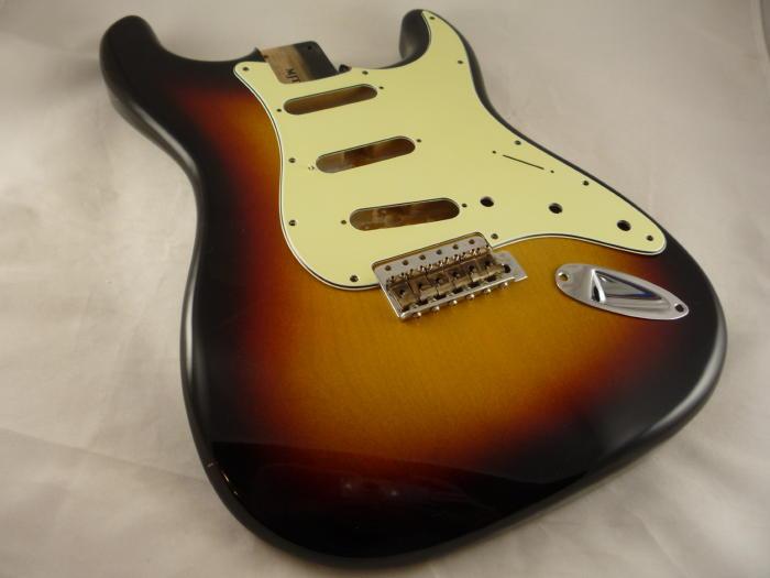 26 - 3 Tone Sunburst