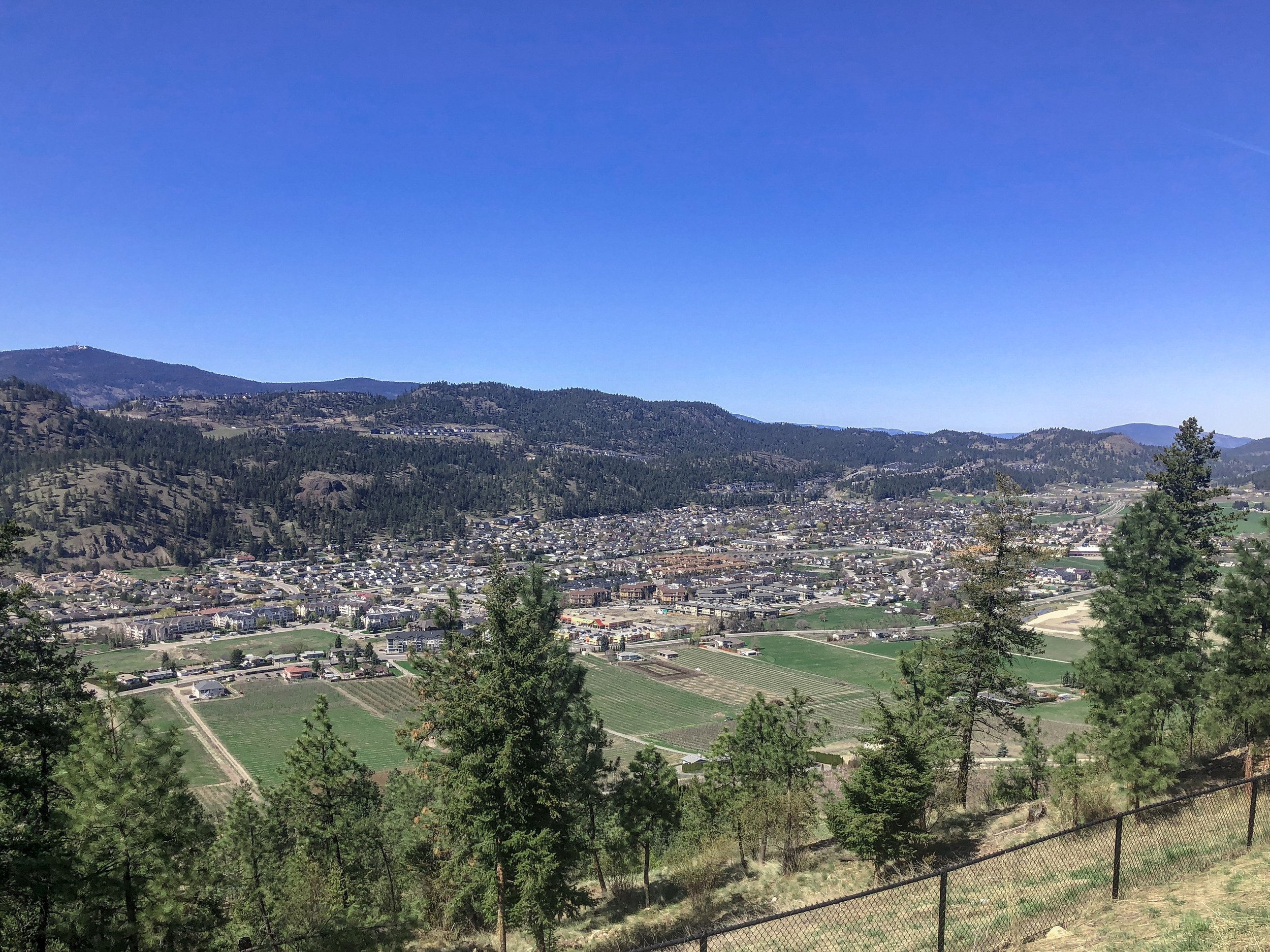 Dilworth Mountain View of Glenmore Valley Kelowna