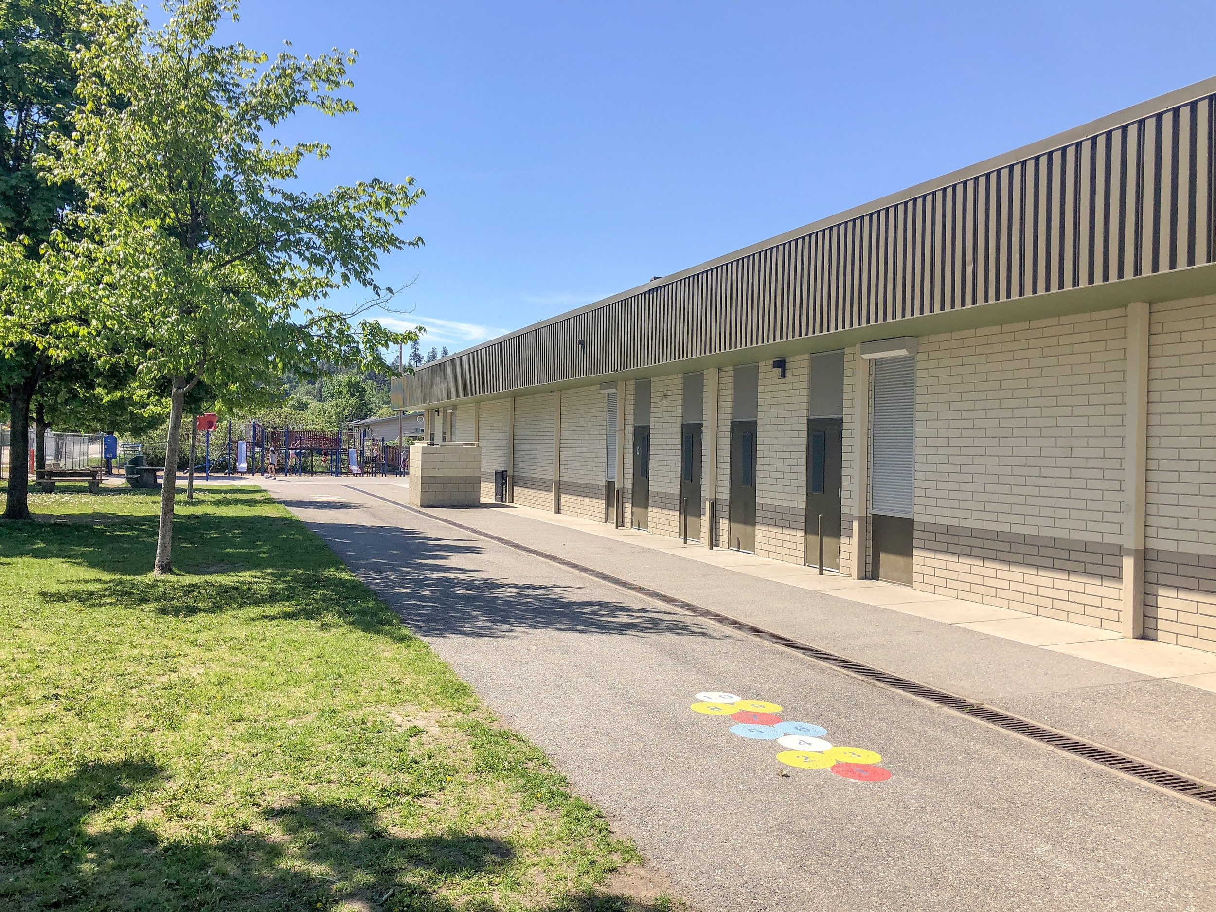 springvalley-elementary-school-rutland-neighbourhood-kelowna-joshua-elliott-02.jpg