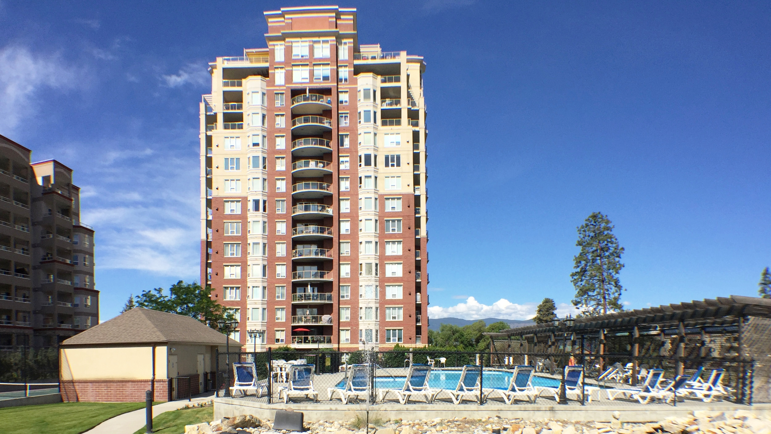 Park Place Kelowna - Central Resort Style Living