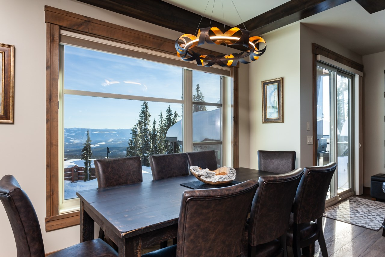 530-feathertop-way-big-white-bc-canada-dining-area.jpg