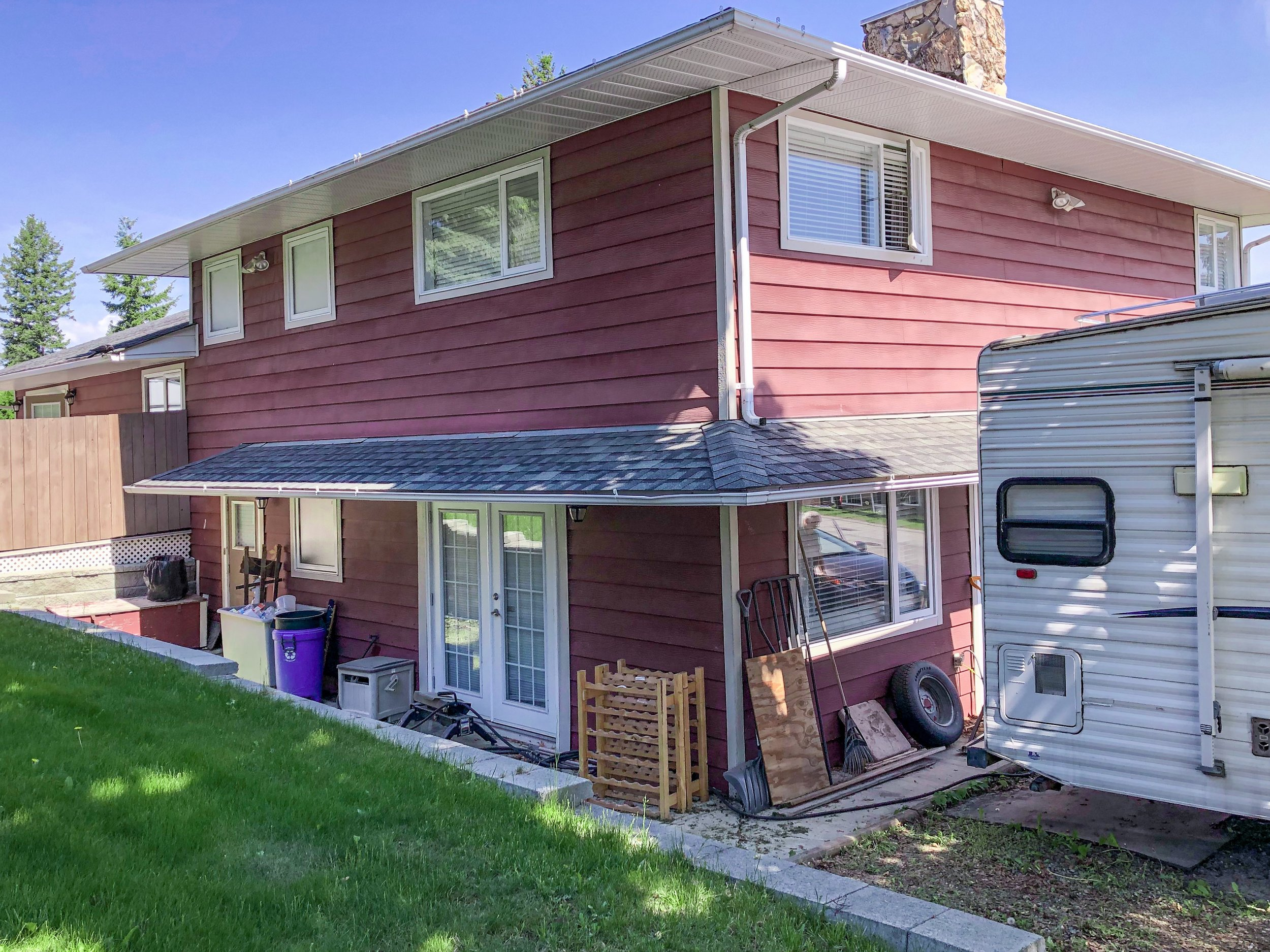 2032-sifton-avenue-kamloops-bc-aberdeen-for-sale-exterior-back-side.jpg