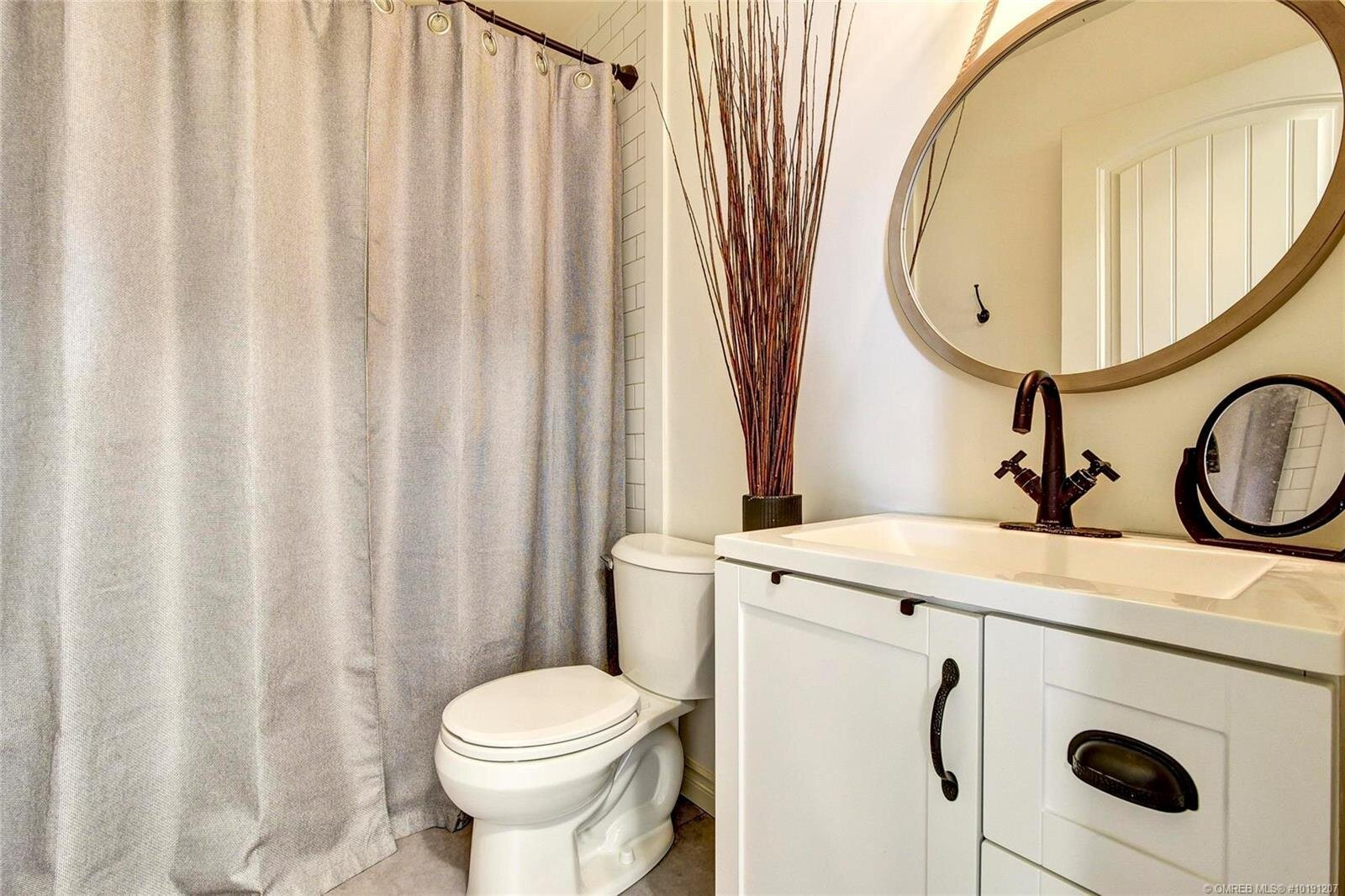 505-hollywood-road-south-farmhouse-inspired-family-home-kelowna-rutland-bathroom-1.jpg