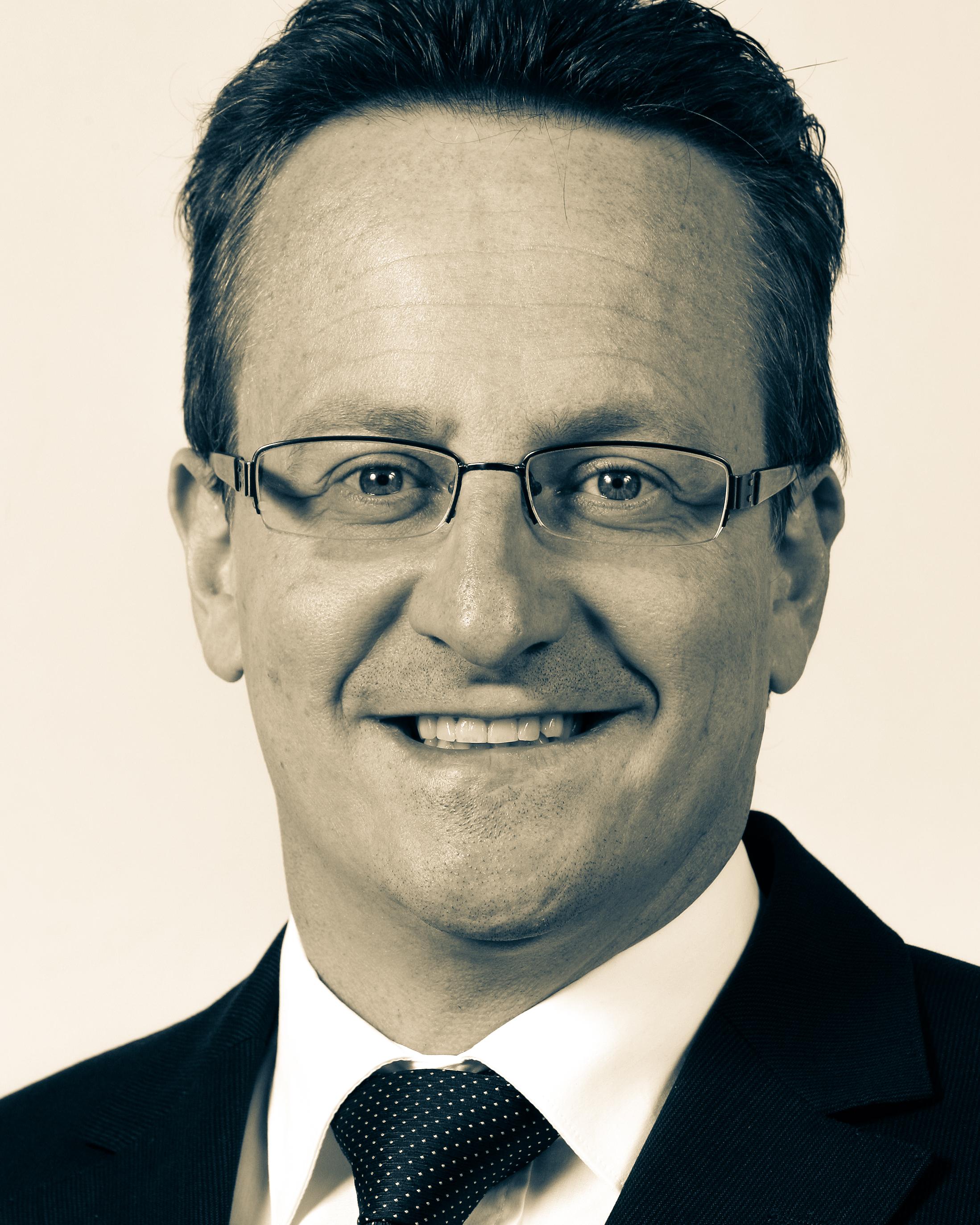 Martin Schmid ist seit 2011 Ständerat des Kantons Graubünden und Mitglied des Verwaltungsrats der Repower AG.