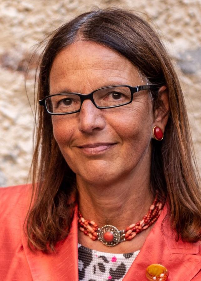 Raffaella Castagnola Rossini è direttrice della Divisione della cultura e degli studi universitari del DECS, Repubblica e Canton Ticino. Bild: zVg