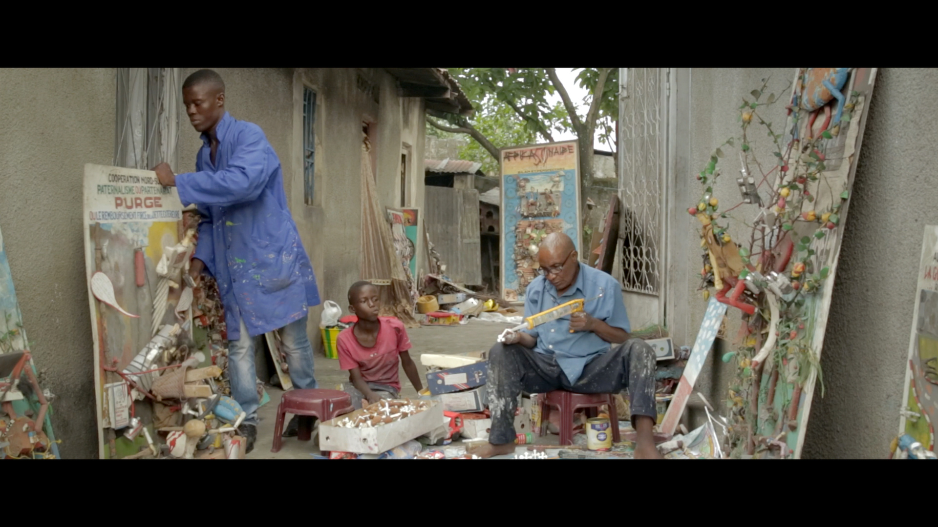 Sunday 10/21 | 3PM - Le Ministre des Poubelles (The Minister of Garbage)Dir. Quentin NoirfalisseDocumentary, 2017, 75 min.
