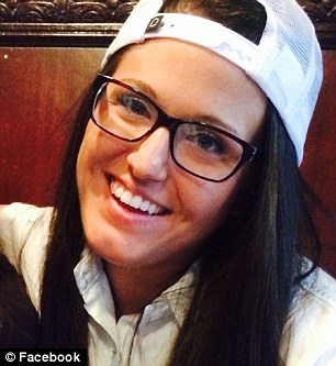 Kaylie Cyr of Buffalo Wild Wings returned $1,700 she found, left by one of her diners