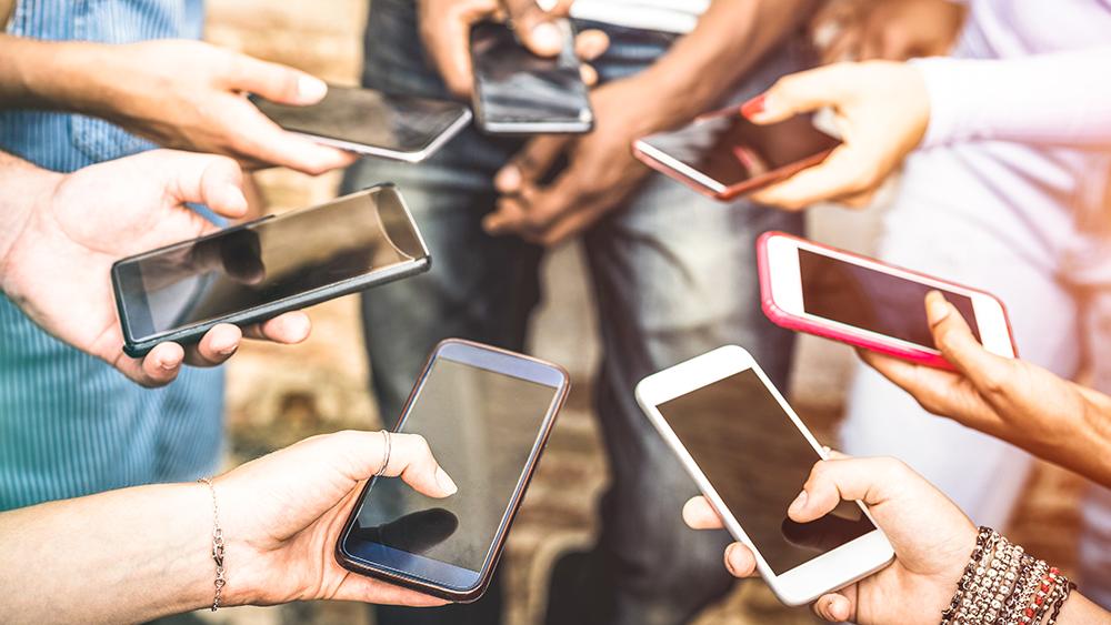 Social media and social proof marketing