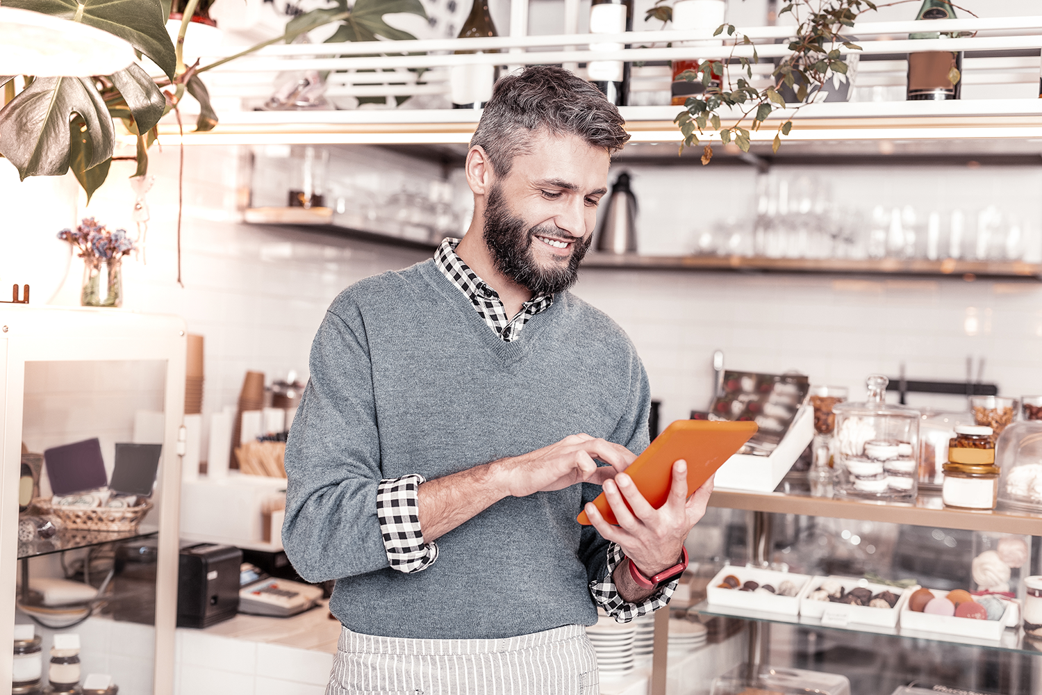 Restaurant technology can help with communicating with your food vendors.