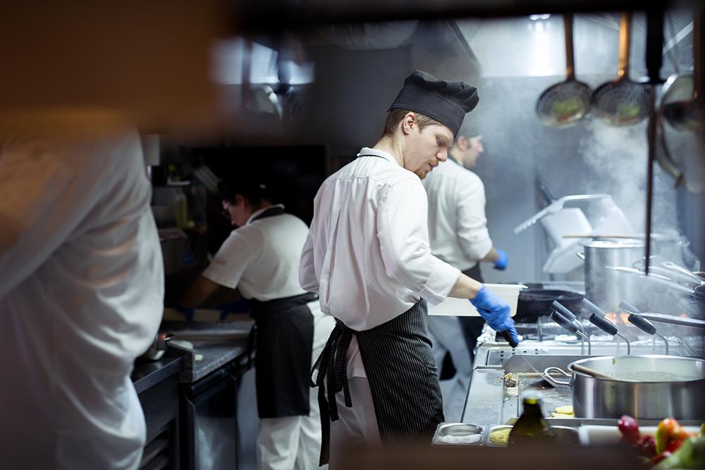 Restaurant kitchen language barrier tips.